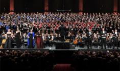 """Dudamel: La """"Sinfonía de los mil"""" como Mahler la creó"""